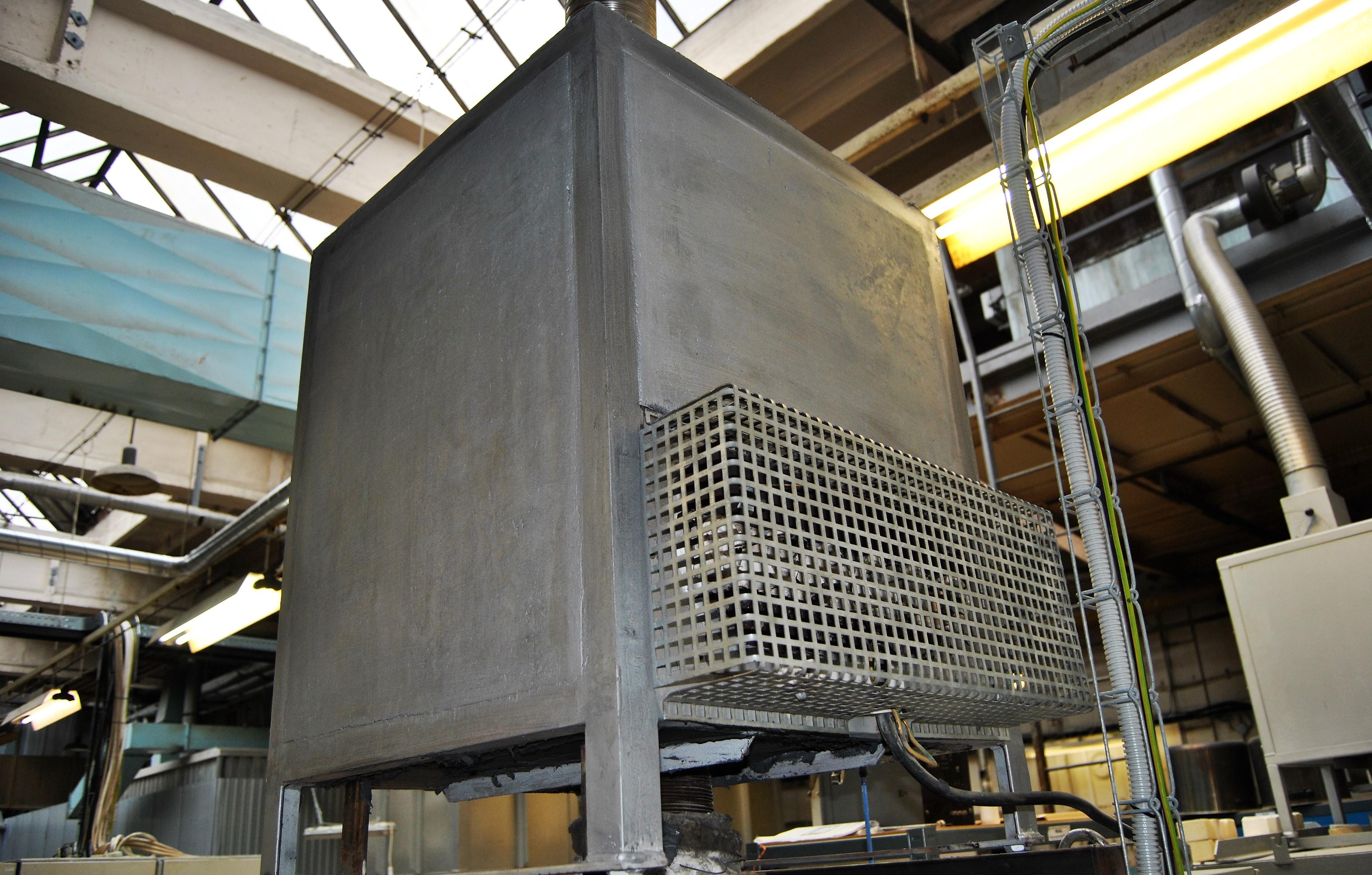 Snížení povrchové teploty katalyzátoru na vypalovací peci